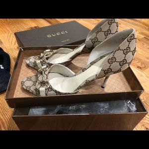 Authentic classic Gucci peep-toe pumps